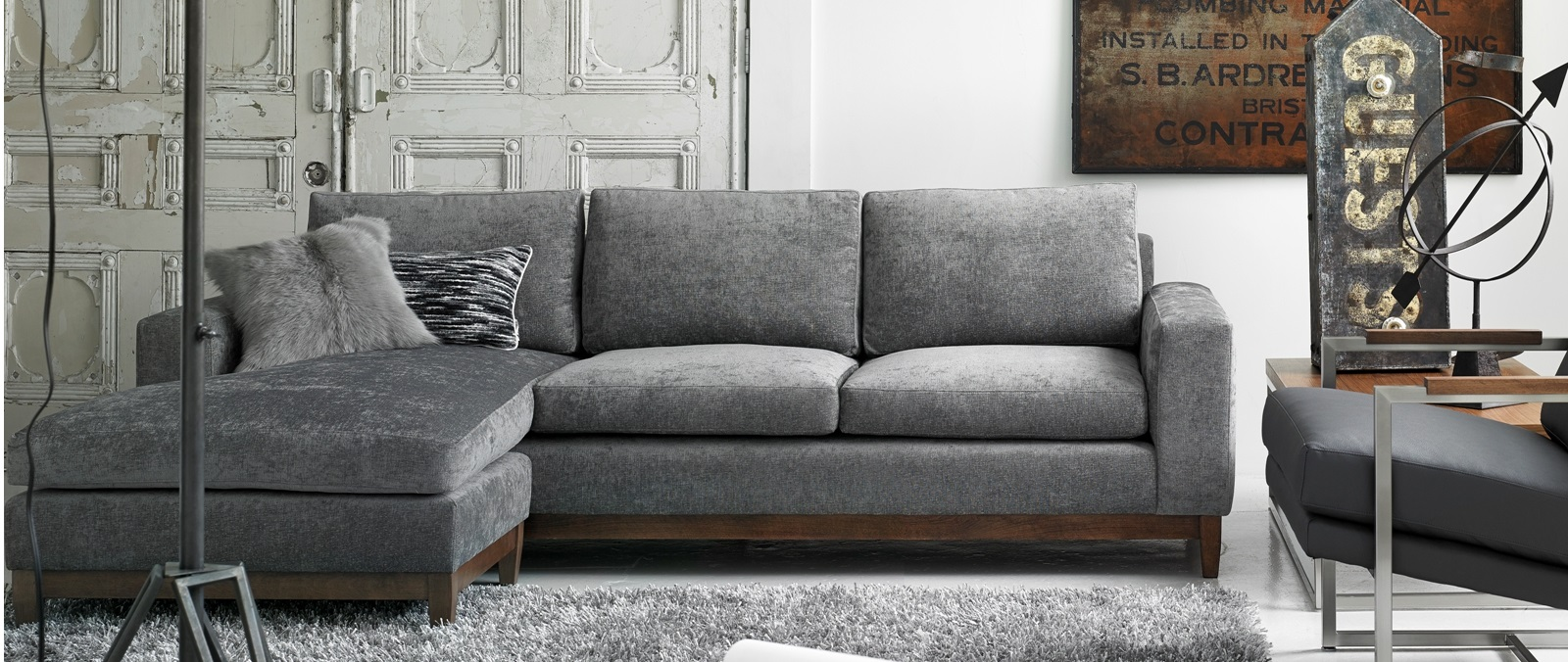 Modern furniture store montreal and ottawa mikazahome for Liquidation sofa sectionnel