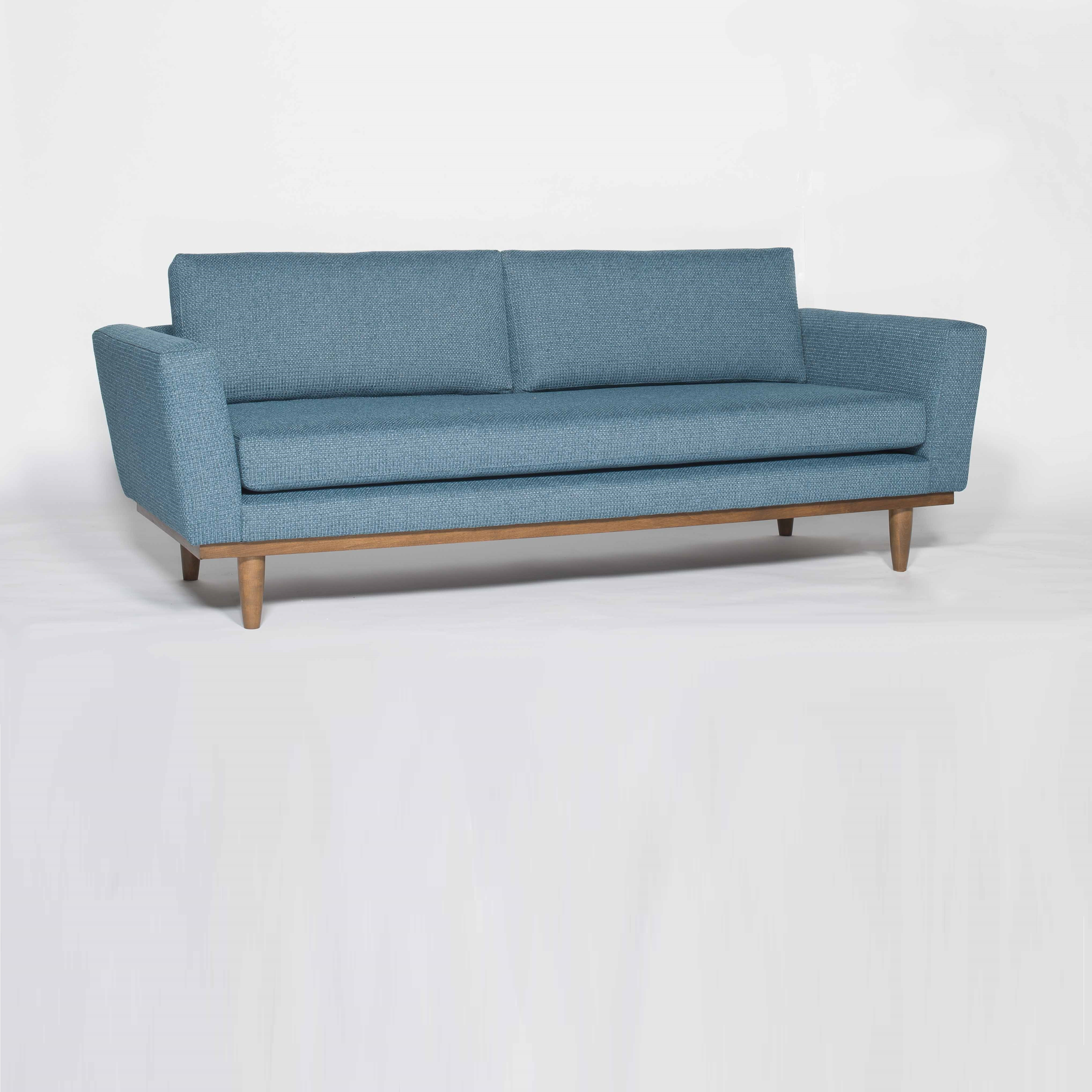 Moderne couch elegant idees moderne canape design elegant for Chaise oslo but