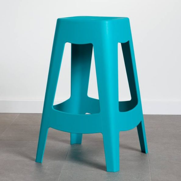 Strut counter stool