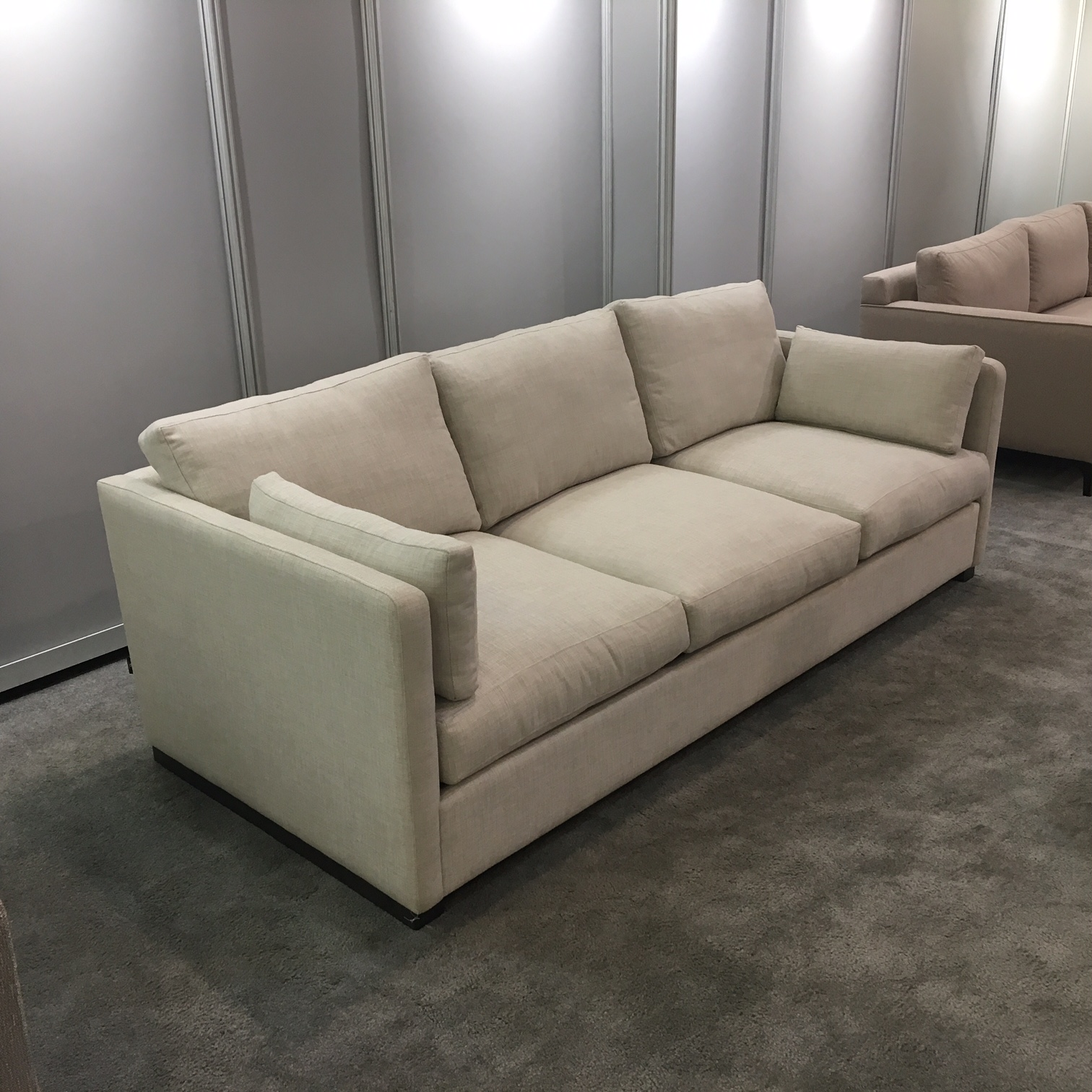 Aberdeen sofa sectional mikaza meubles modernes for Meuble sofa montreal