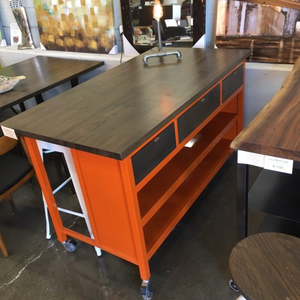2 loons ORACLE Kitchen Islands