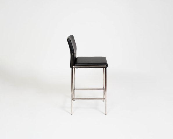 Angle stool black