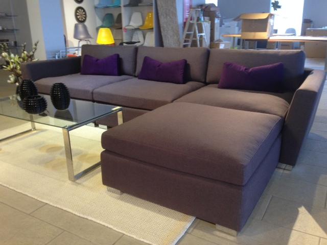 Chloe sofa modulaire mikaza meubles modernes montreal for Meuble montreal rabais