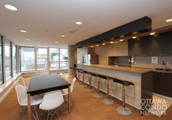 programme commerciale mikaza meubles modernes montreal modern furniture ottawa. Black Bedroom Furniture Sets. Home Design Ideas