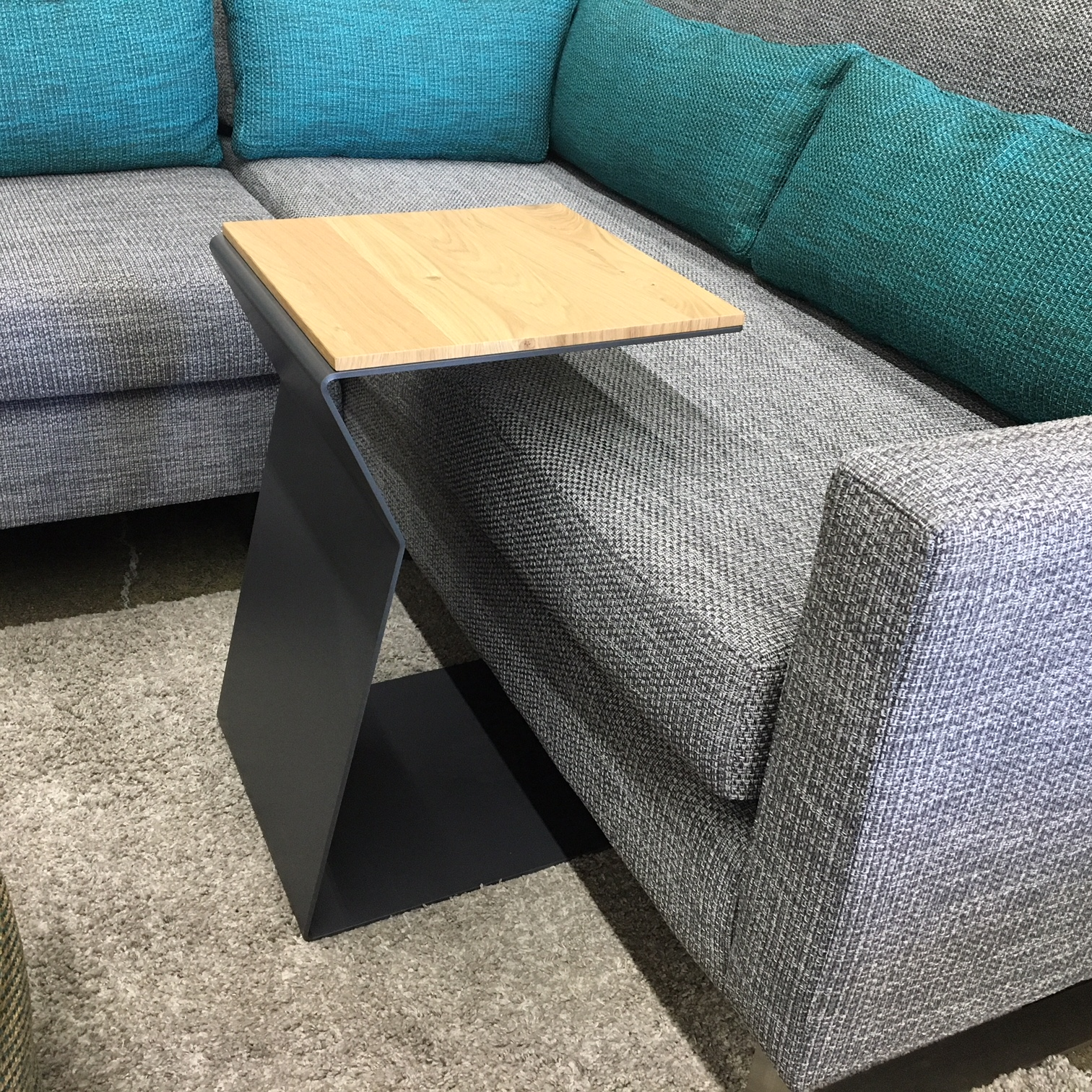 Lolo side table mikaza meubles modernes montreal modern for Sofa cuir liquidation montreal