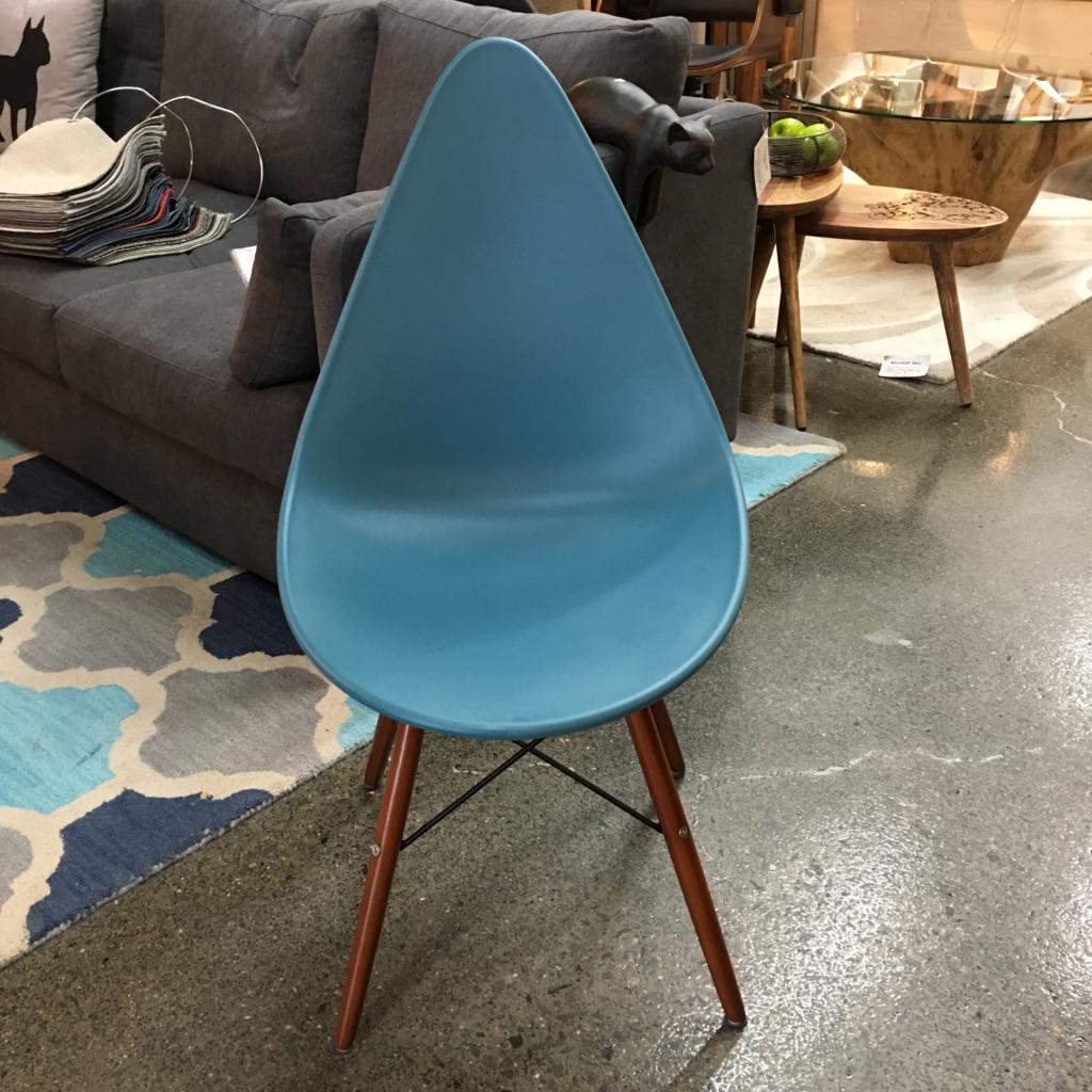 Pisa Chair Stool Mikaza Meubles Modernes Montreal Modern