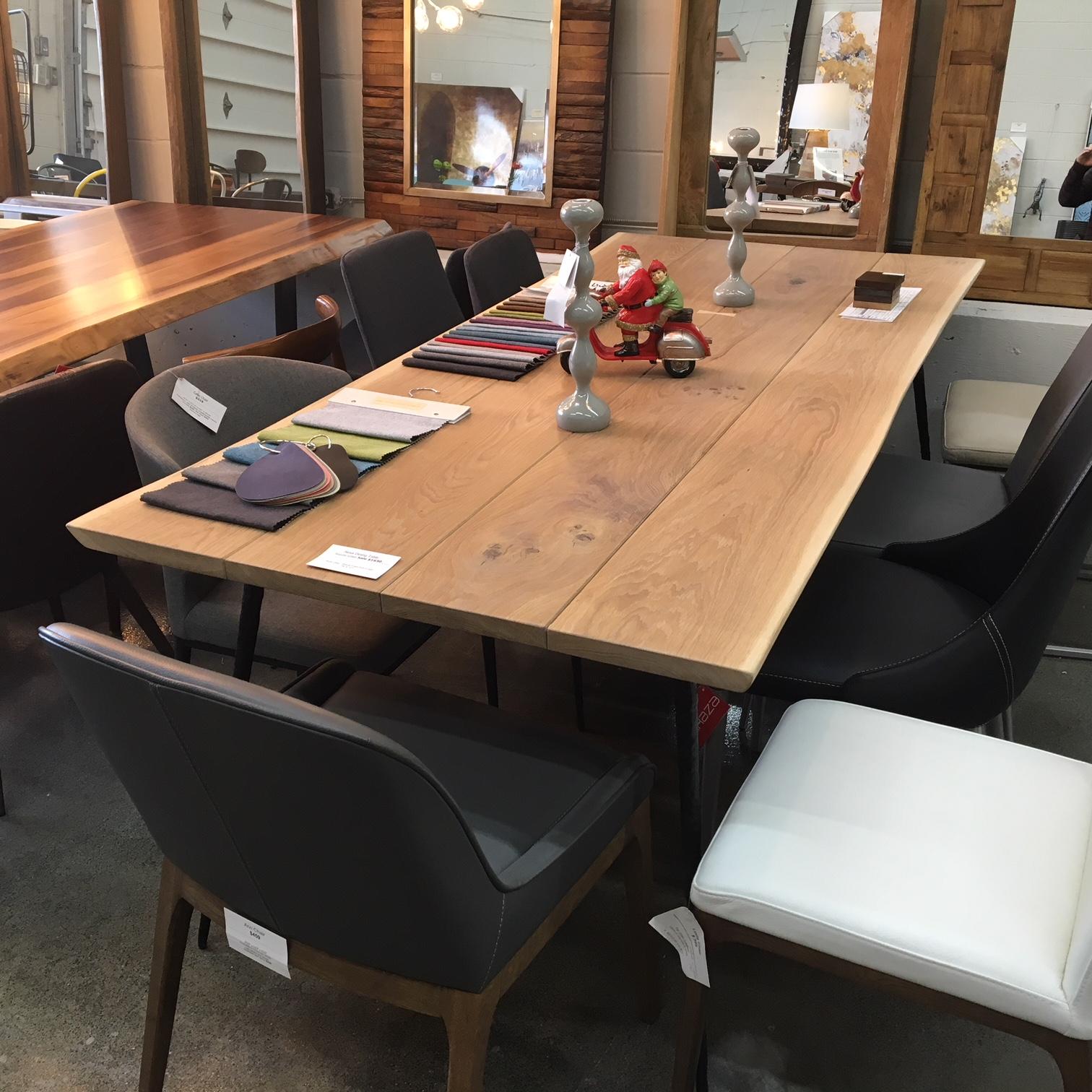 Nexa table d ner en ch ne mikaza meubles modernes for Meuble bar montreal