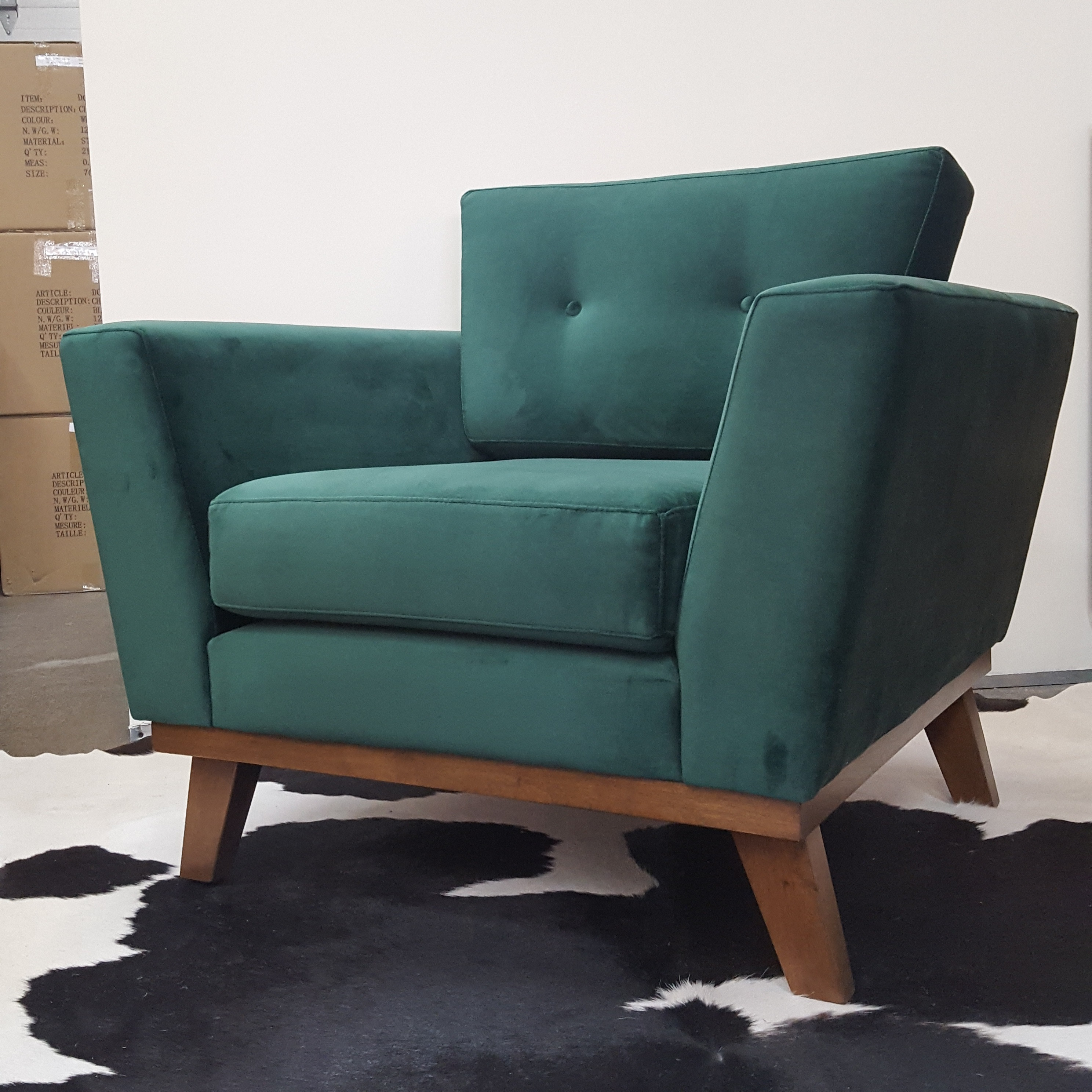Lida Accent Chair Floor Model Mikaza Meubles Modernes
